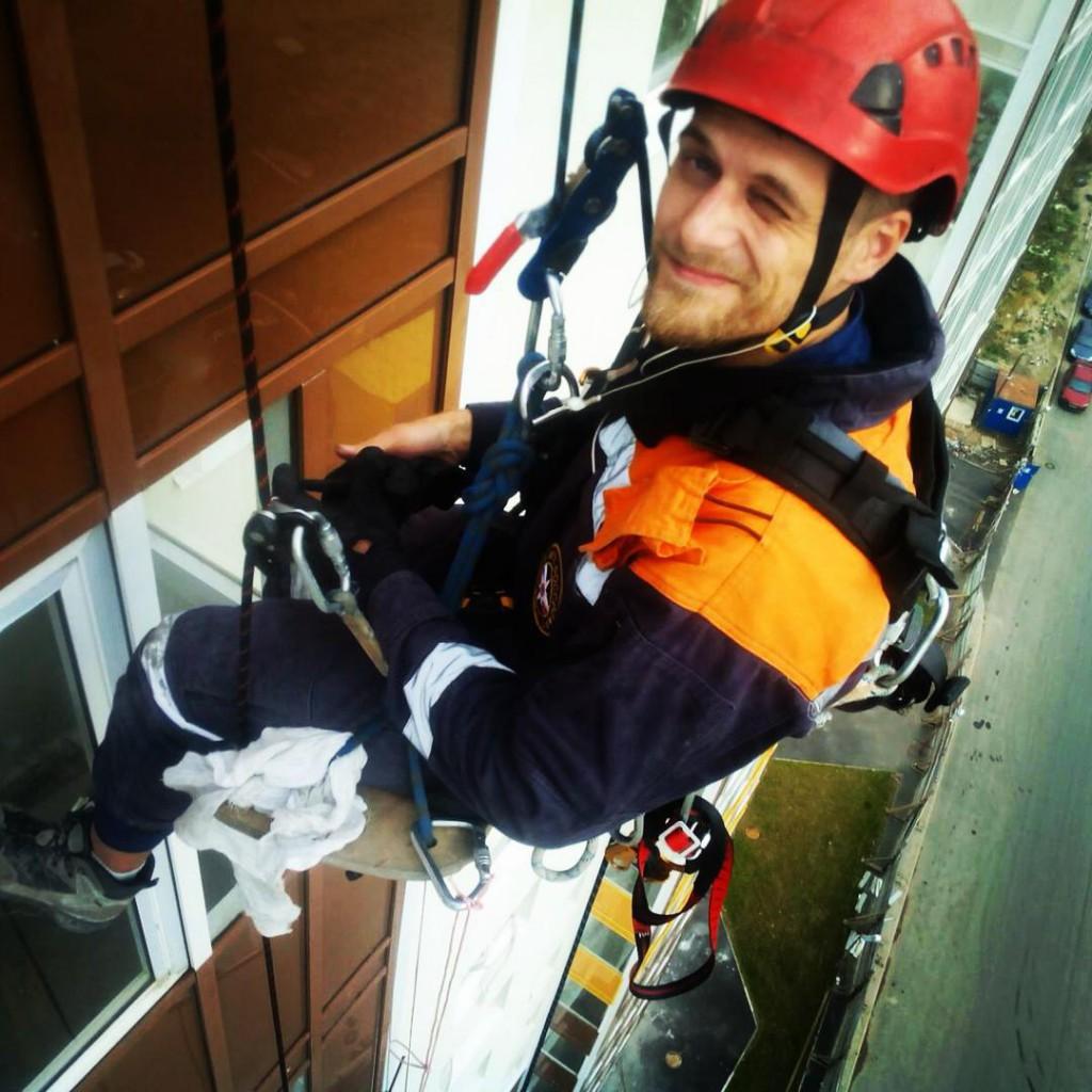 Деятельность клининговой компании: промышленный альпинизам