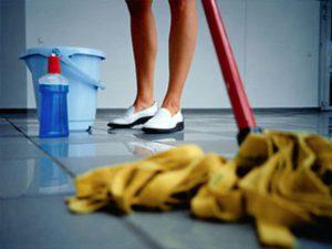 Мытье полов в помещениях в СПб